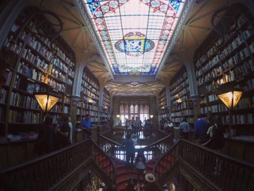 世界一美しい本屋と言われているポルトの本屋さん