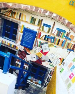 ギリシャ サントリーニ島で見つけた可愛い本屋さん