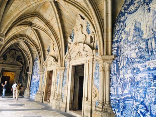 綺麗なアズレージョが見れるポルト大聖堂