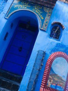 モロッコ青い街シェフシャウエンお気に入りのドアを探そう