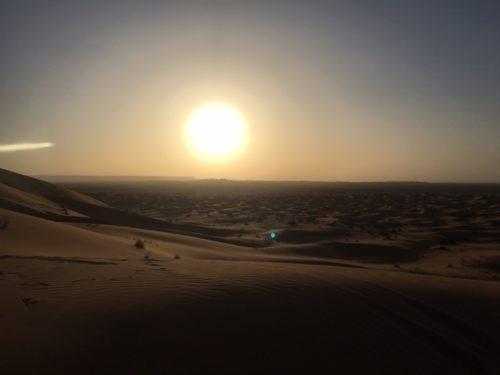 モロッコ サハラ砂漠で朝日鑑賞